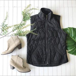 Old navy black vest zip up lightweight pockets